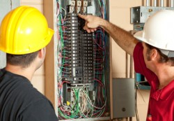 locuri de munca electrician echipamente Paris