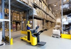 locuri de munca operator logistica Londra