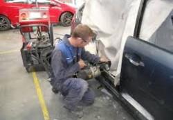 locuri de munca tinichigiu auto Londra